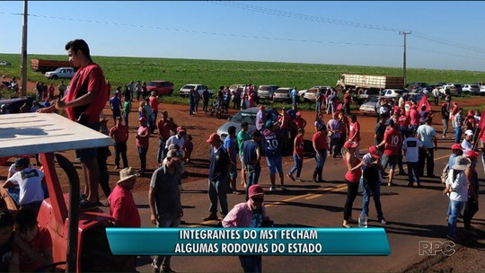 MST bloqueia rodovias no interior do Paraná