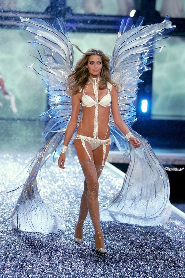Ana Beatriz Barros, uma das angels brasileiras, desfilou até 2011 (Foto: Getty Images)