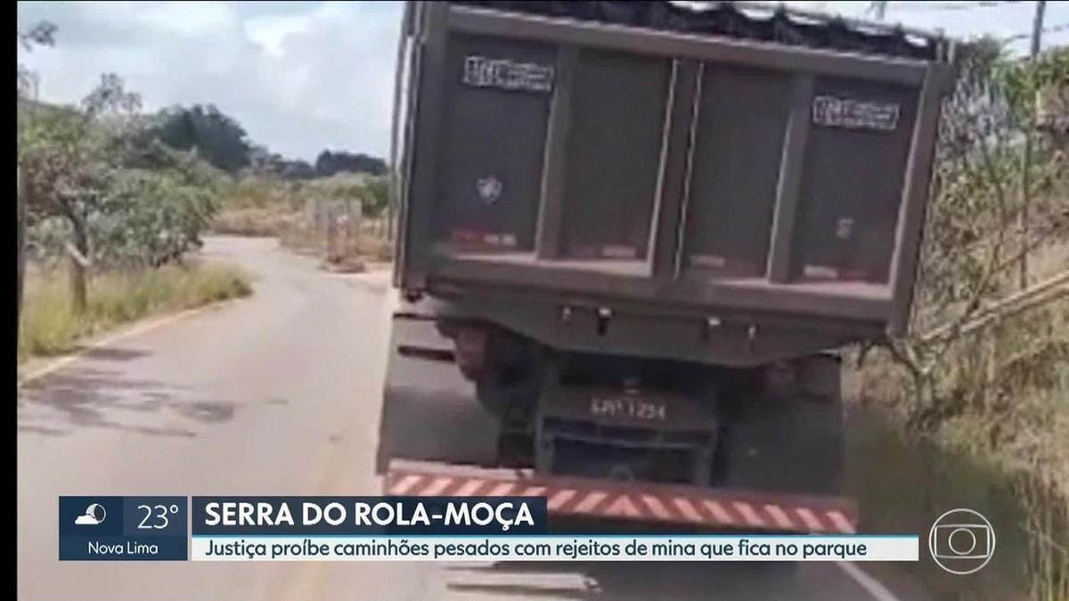 Justiça Federal proíbe circulação de caminhões pesados com rejeitos na Serra do Rola Moça, na Grande BH