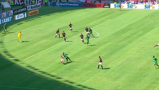 Central do Apito: Ricci diz que Diego deveria ter sido expulso e vê pênalti não marcado para o Flamengo