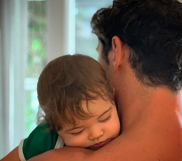 José Loreto e a filha, Bella (Foto: Reprodução/Instagram)