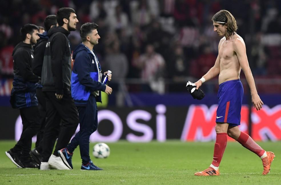 Filipe Luís luta para voltar ao seu time antes da convocação (Foto: JAVIER SORIANO / AFP)
