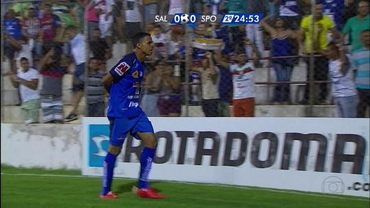 Após 18 jogos no Brasil (e algumas polêmicas), árbitro de vídeo estreia nesta quarta no Carioca