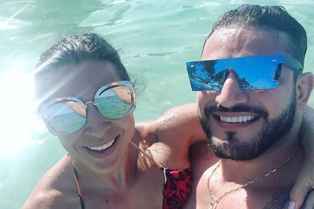 Priscila Pires e João Reis curtem lua de mel na Colômbia (Foto: Reprodução/Instagram)