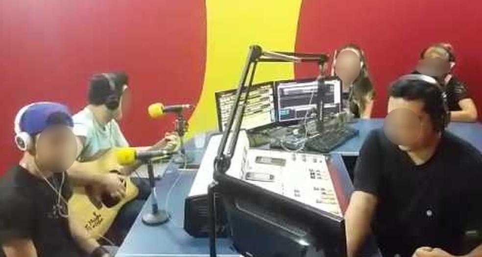 Rádio foi fechada na manhã desta quarta-feira (28) em Sorocaba (SP) (Foto: Youtube/Reprodução)