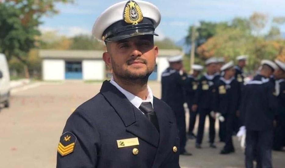O terceiro sargento Michel Uchiha, da Escola Naval da Marinha