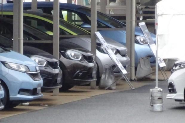 Novo Honda Fit aparece do modelo preto em diante (Foto: Reprodução)