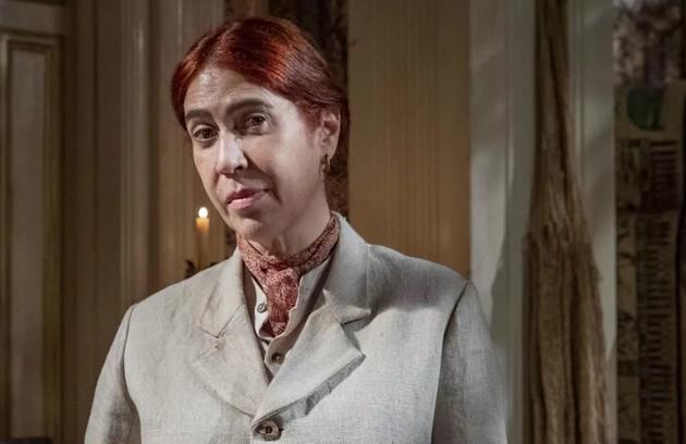 Vitória (Maria Clara Gueiros), a irmã de criação de Quinzinho, chegará ao Brasil para trabalhar num museu da Imperatriz (Foto: TV Globo)