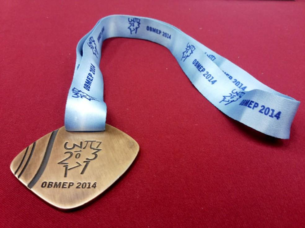 Medalhas são as premiações dos melhores colocados na olimpíada  (Foto: Fábio Reis/TV Fronteira)