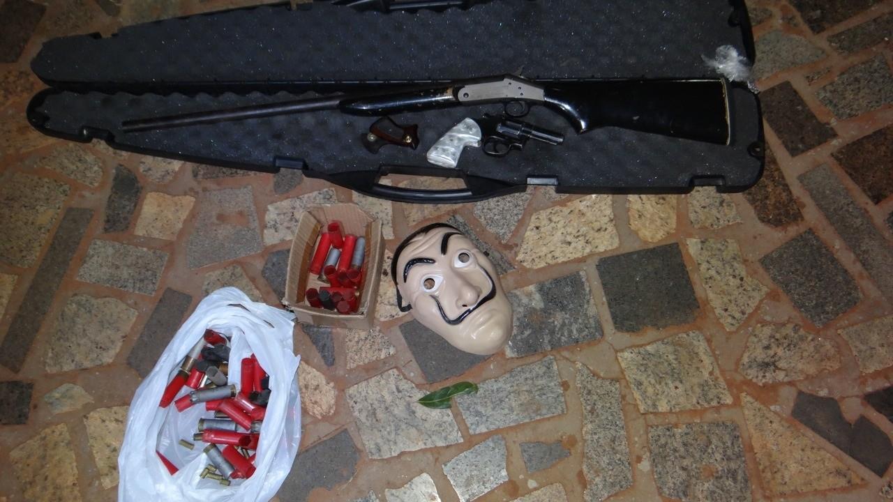 Homem é preso e multado em R$ 5 mil suspeito de promover festa clandestina em Paranavaí