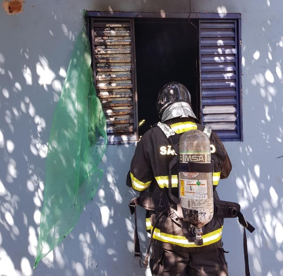 Bombeiros foram acionados para controlar incêndio em Avaré (SP) — Foto: Arquivo Pessoal