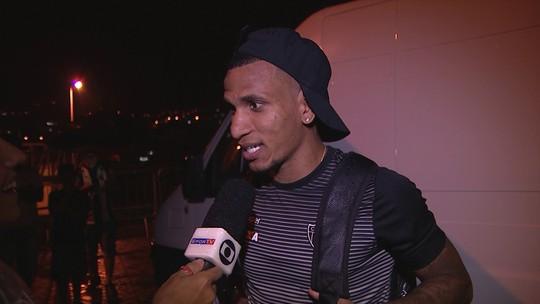 """Otero brinca sobre aposta de R$ 100 com Victor e pede mais após golaço: """"R$ 5 mil"""""""