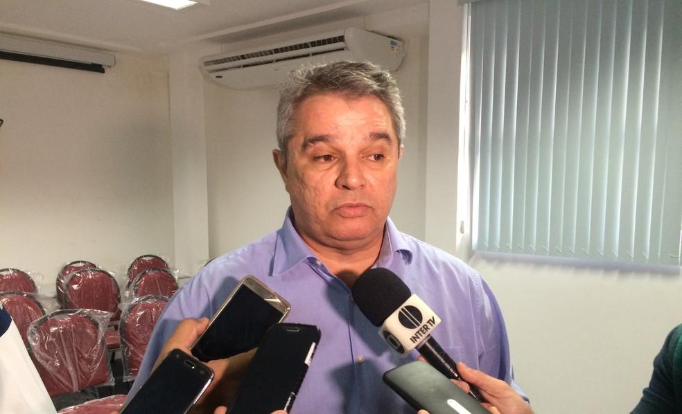 Felipe Augusto deixa jogadores à vontade para decidir o que fazer após fim da greve (Foto: Hugo Monte/GloboEsporte.com)
