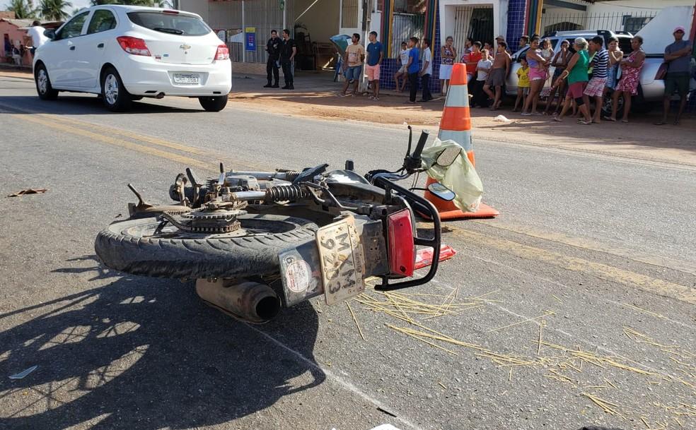Acidente de moto em Ceará-Mirim, na região metropolitana de Natal — Foto: PRF/Divulgação