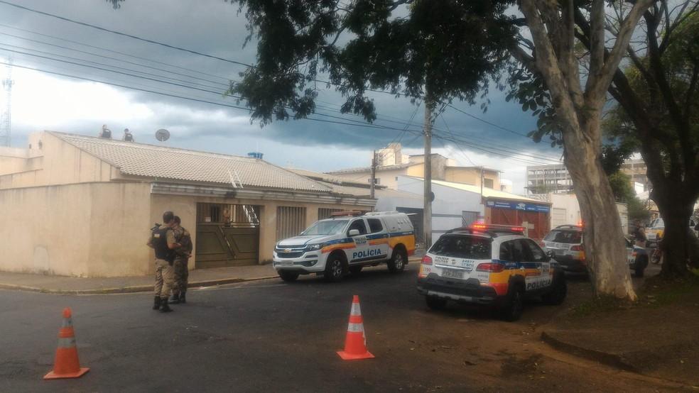 -  Casa é assaltada em Uberlândia.  Foto: Bárbara Almeida/G1