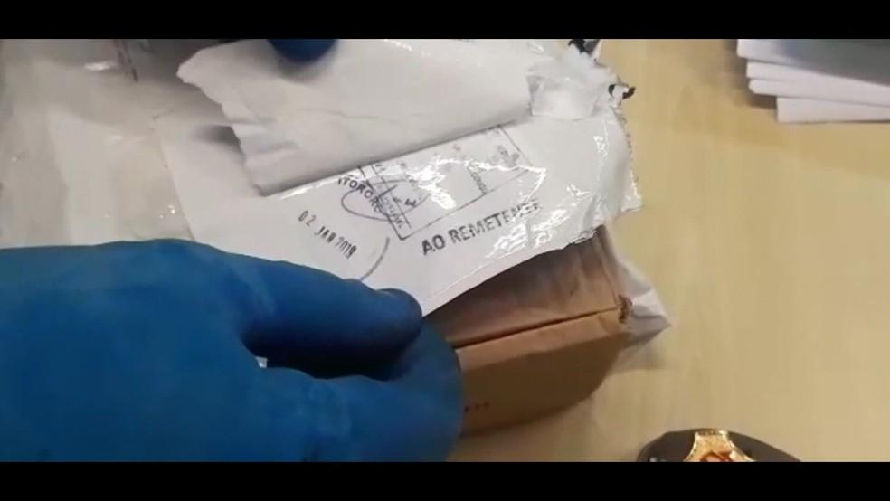 PF faz operação contra roubo de encomendas no Rio. Agentes suspeitam que funcionários dos Correios estão envolvidos nos crimes — Foto: Reprodução/ TV Globo