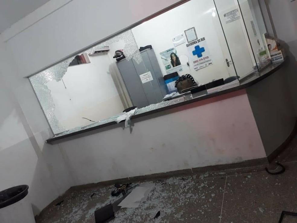 Setor onde os enfermeiros e funcionários ficam também foi destruído na UPA em Rondonópolis (Foto: Divulgação)