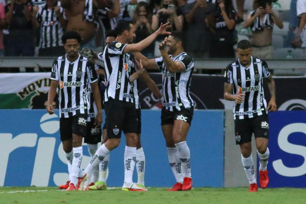 Hulk comemora segundo gol do Atlético-MG — Foto: Fernando Moreno/Agif
