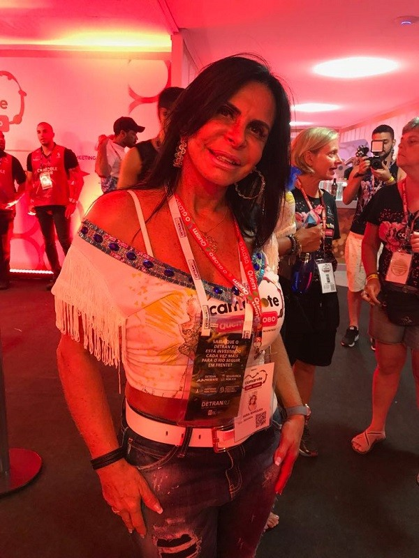Gretchen comemora reality sobre sua família  (Foto: Guiherme Scarpa/Época )