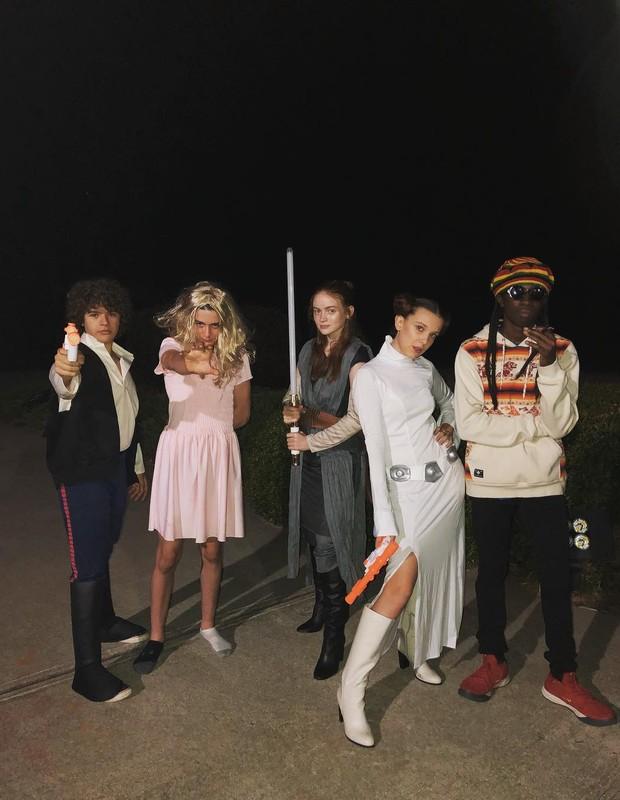 Atores de Stranger Things se inspiram na série e em Star Wars para Halloween (Foto: Reprodução/Instagram)