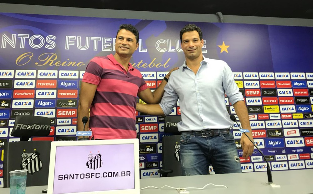 William Machado é apresentado como gerente de futebol do Santos