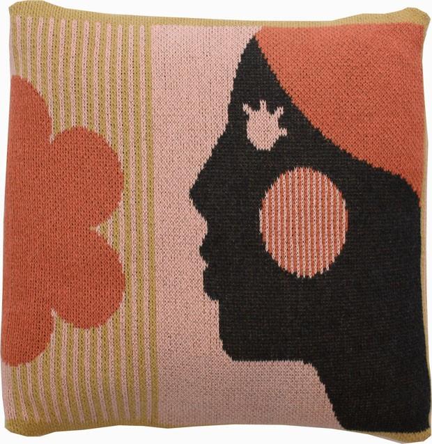 Empoderamento feminino é tema de coleção de acessórios para casa  (Foto: Divulgação)
