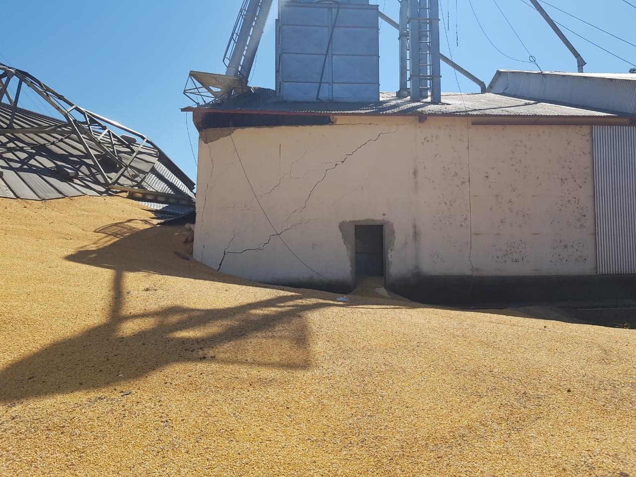 Silo que desabou no Acre com 18 mil sacas de milho continua com atividades suspensas