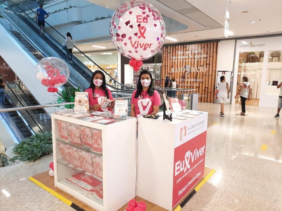 Shopping Barra oferece stand com orientações gratuitas de cuidados contra o câncer de mama. — Foto: Divulgação