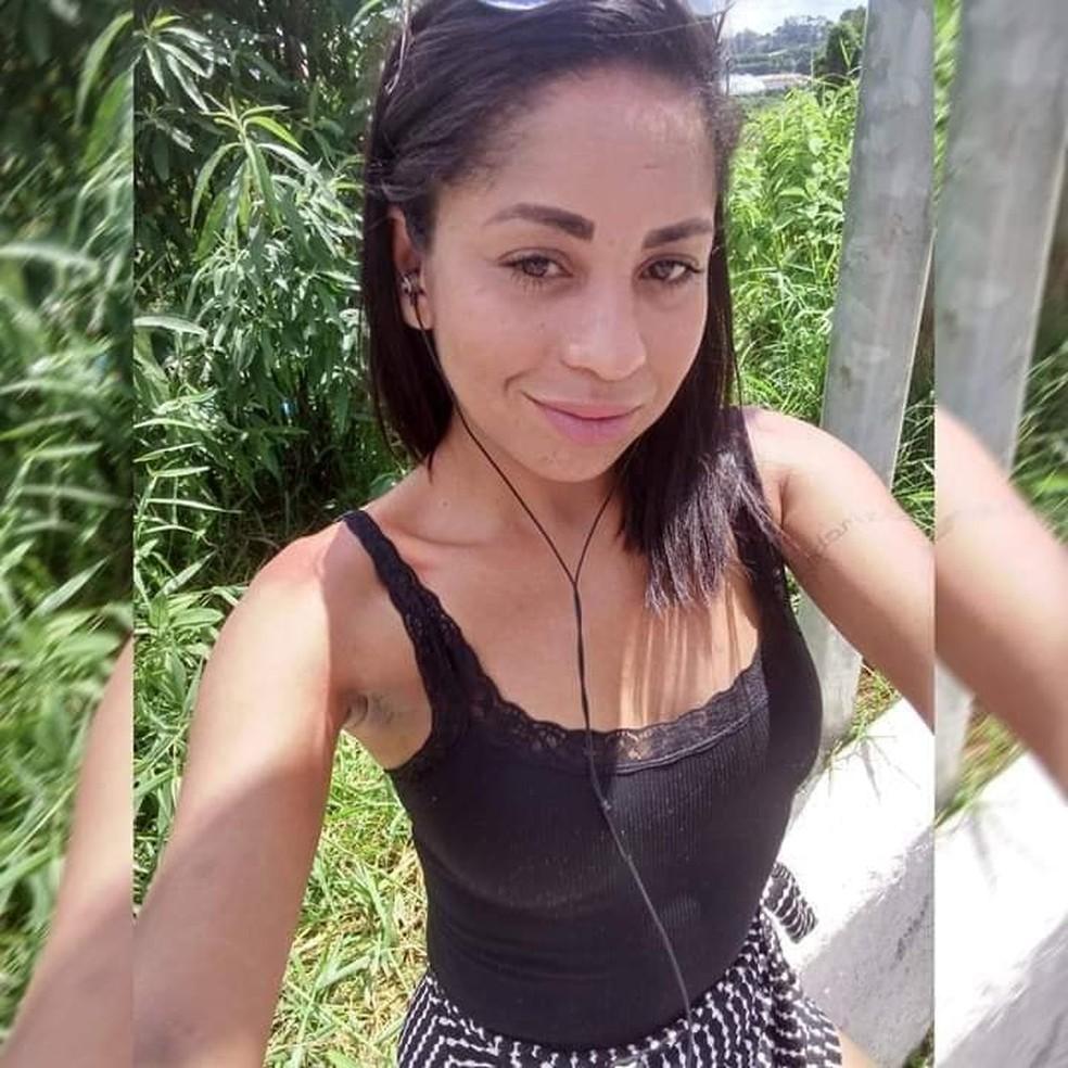 Elisângela Ribeiro, de 33 anos, está desaparecida desde a última sexta-feira, 26 de junho, em Araçariguama (SP) — Foto: Arquivo pessoal