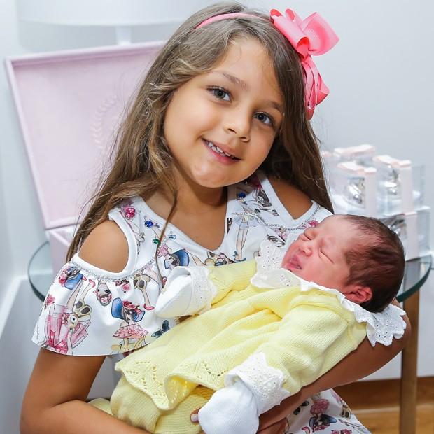 Maria Sophia e Maria Vitória (Foto: Manuela Scarpa/Brazil News)