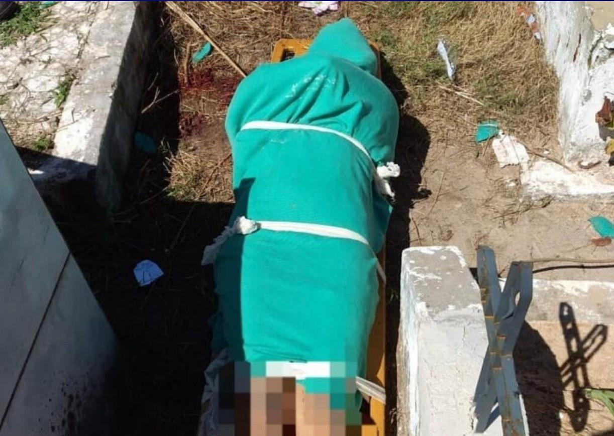 Mulher é encontrada nua e com a cabeça esmagada em cemitério no Maranhão