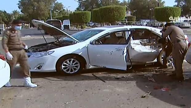 Explosão deixou dois seguranças feridos na cidade de Jidá (Foto: Al-Ekhbariya/AP)