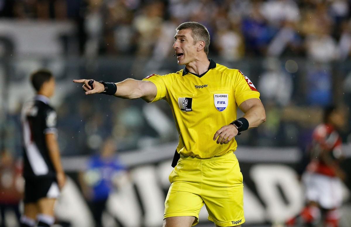 Anderson Daronco vai apitar o clássico entre Corinthians e Palmeiras ... 6cce63a844f36