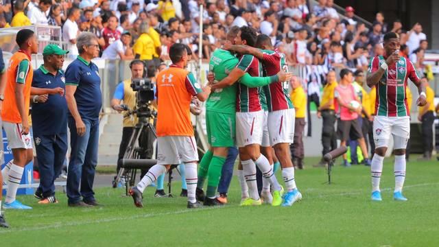 Vitória tirou o Fluminense da zona do rebaixamento do Brasileirão