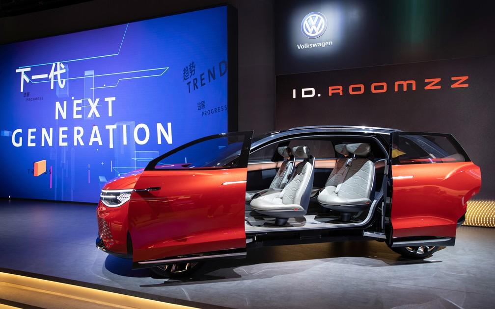 Volkswagen ID Roomzz é apresentado em Xangai — Foto: Divulgação