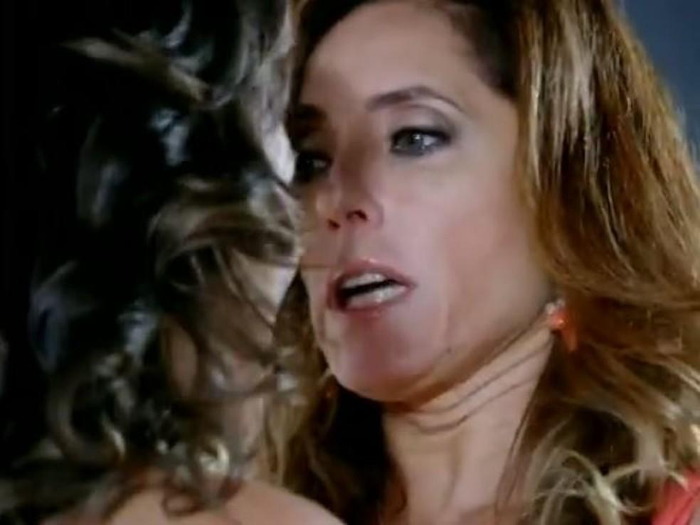 Crô estraga plano de Tereza Cristina e salva Patrícia da morte em 'Fina Estampa' — Foto: Globo