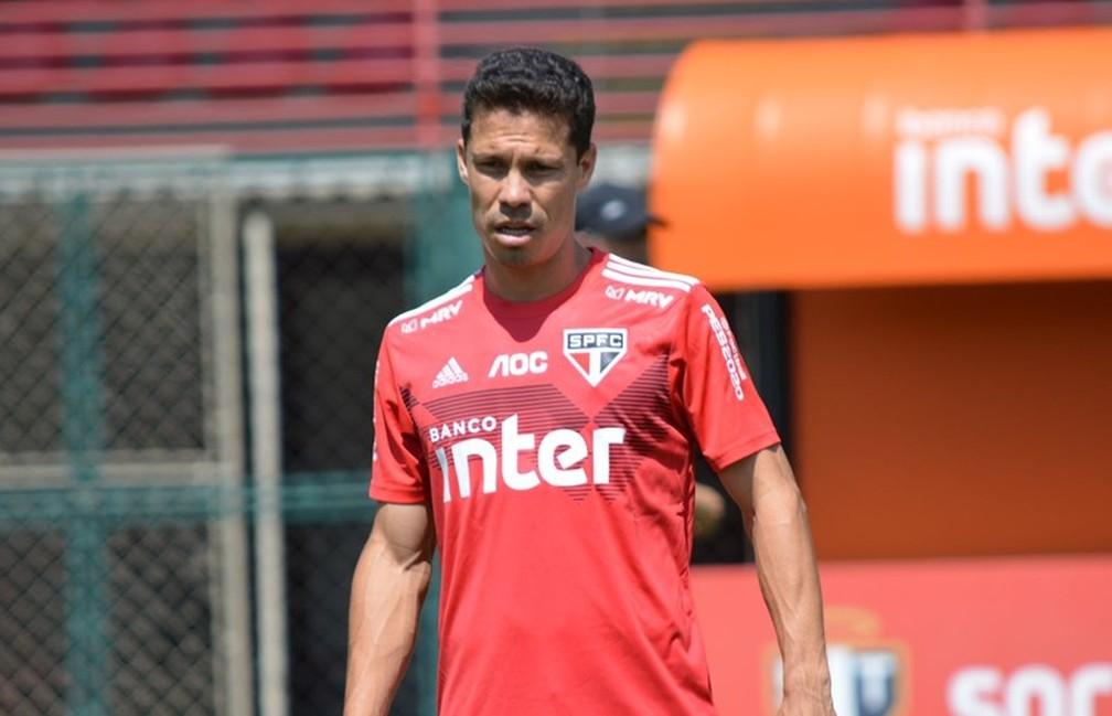 Hernanes, do São Paulo, diz que sonha com Libertadores — Foto: Érico Leonan / saopaulofc.net