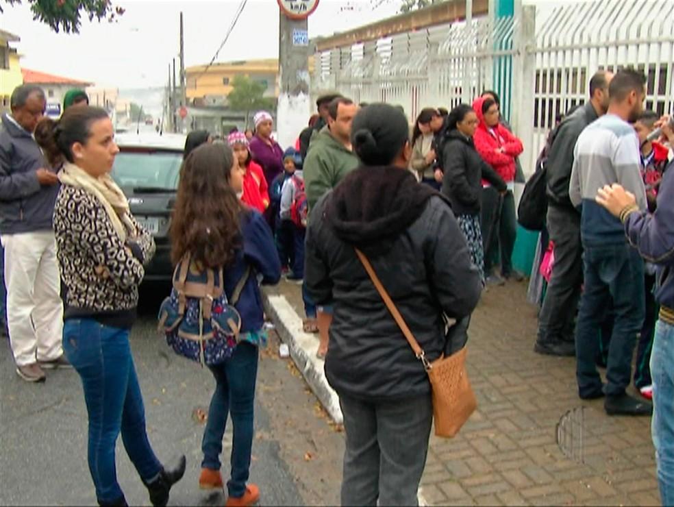 Funcionárias da Prefeitura de Poá fazem greve e cerca de 15% das unidades de ensino de Poá estão afetadas.  (Foto: Reprodução/TV Diário)