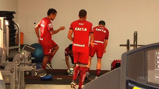 William Alves mira estreia pelo Atlético-GO e promete lutar contra as projeções