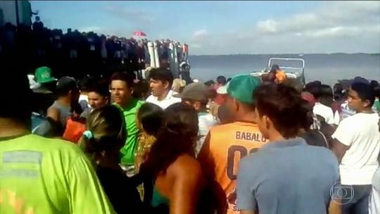 Naufrágio de navio com 70 a bordo deixa 7 mortos no Pará