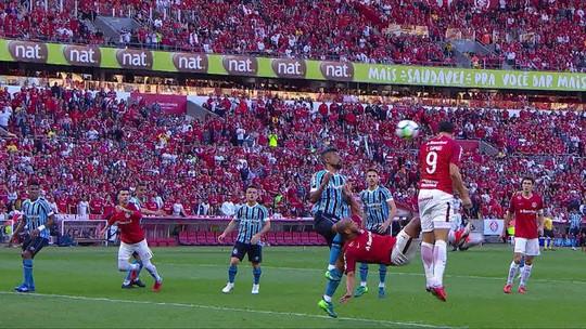 """Damião ou Alvez? Odair deixa aberta vaga no ataque do Inter por """"coerência"""""""