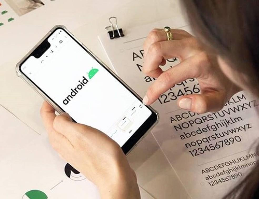 Android 10 tem robozinho integrado à marca — Foto: Reprodução/Google