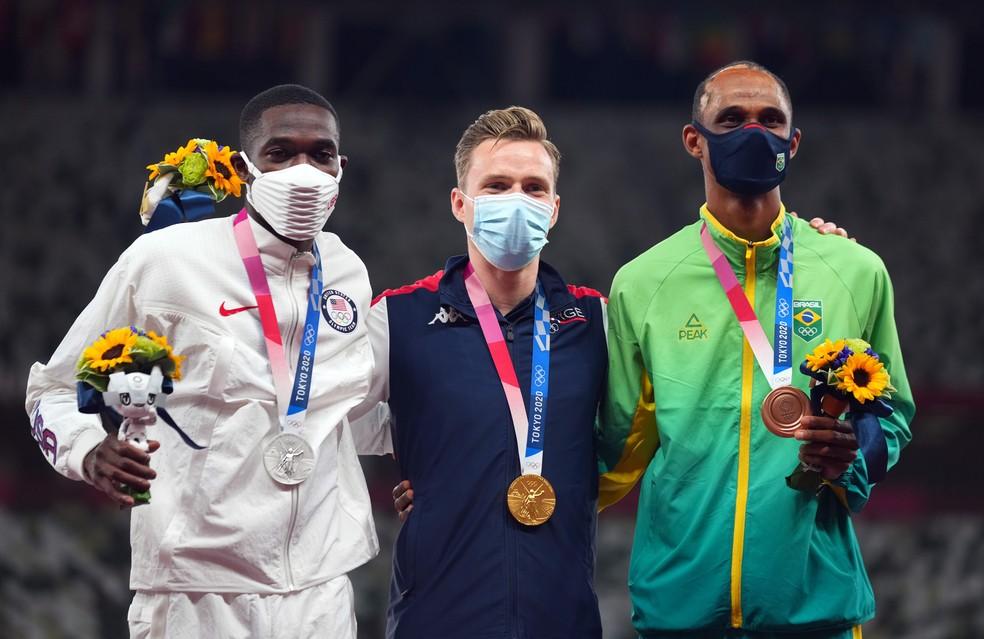 Alison dos Santos conquista bronze nos 400m com barreiras nas Olimpíadas de Tóquio — Foto: REUTERS/Aleksandra Szmigiel