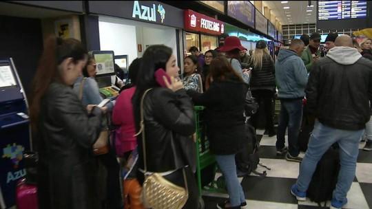 Falhas nos aeroportos causam cancelamentos e atrasos