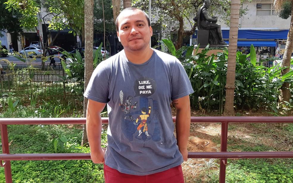 O artista plástico Denilson Baniwa, que milita por causas indígenas — Foto: Bárbara Muniz Vieira/G1