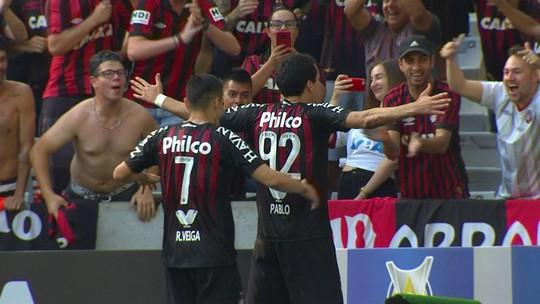 Vitalidade e experiência: Renan Lodi e Jonathan lideram assistências no Atlético-PR