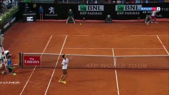 Ficou com inveja! Nishikori erra smash, assim como Djokovic errou em Madri