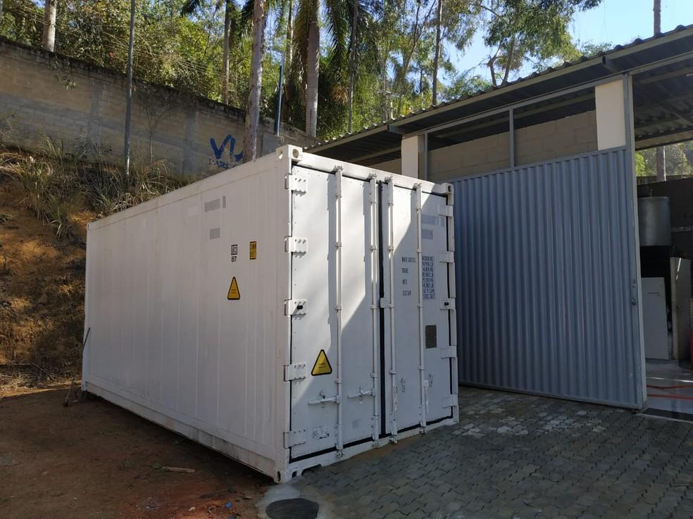 Container encontrado em zona rural de Muriaé faz parte das investigações da Operação 'Fraudator' — Foto: Polícia Civil/Divulgação