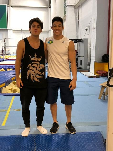 Daniel Rangel com o ginasta Arthur Nory (Foto: Divulgação)