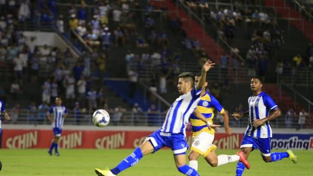 Victor Paraíba faz um belo gol no Rei Pelé